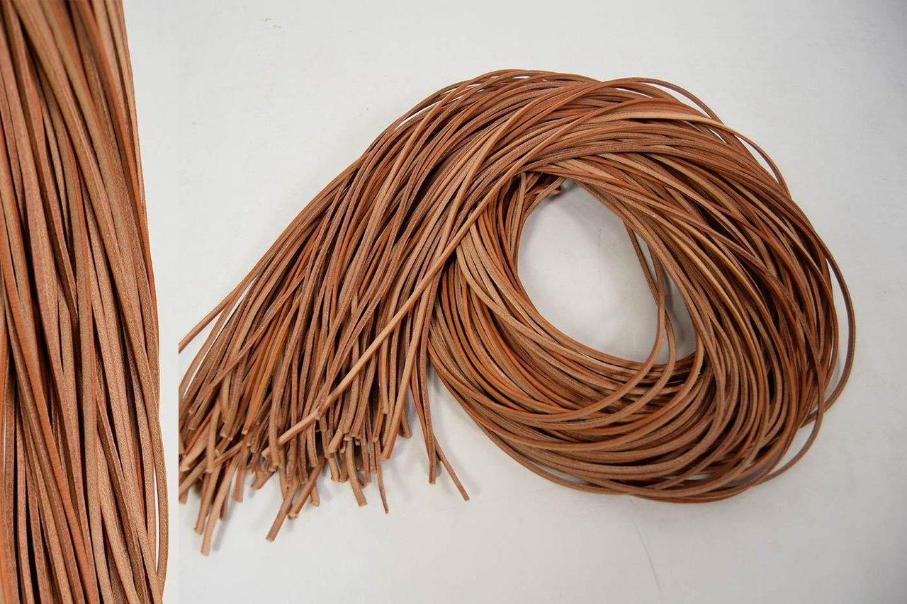 vierkant lederschnur natur braun 2x3 mm 2 m lederband. Black Bedroom Furniture Sets. Home Design Ideas